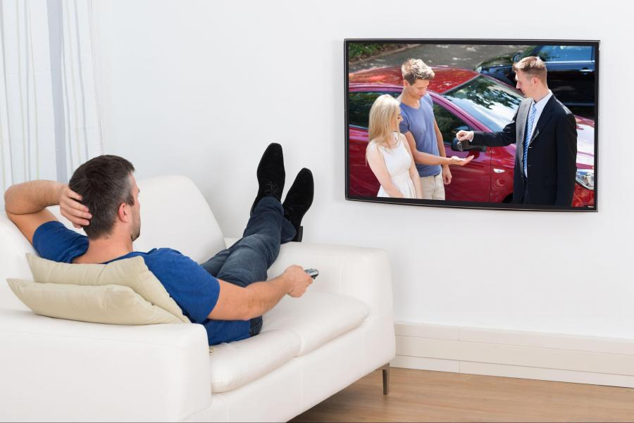 customer_is_watching_hdtv_in_his_living_room